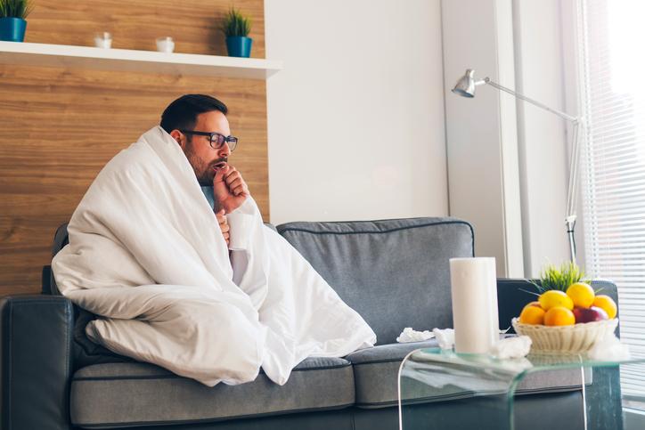 Čo je to chrípka? Prečo vzniká, aké má prejavy, priebeh a liečbu?