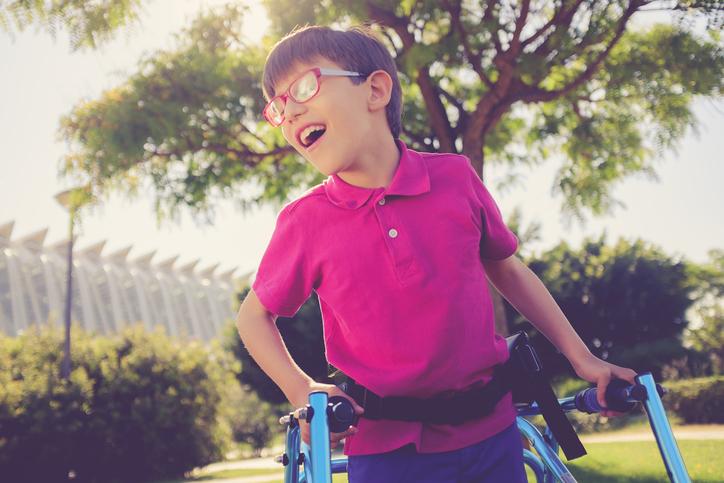 Detská mozgová obrna: Aké sú jej príčiny a ako sa prejavujú jej formy?