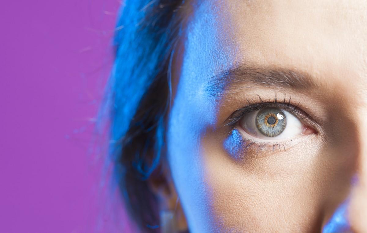 Šedý, sivý zákal, katarakta: Aké má príznaky, ako sa lieči?