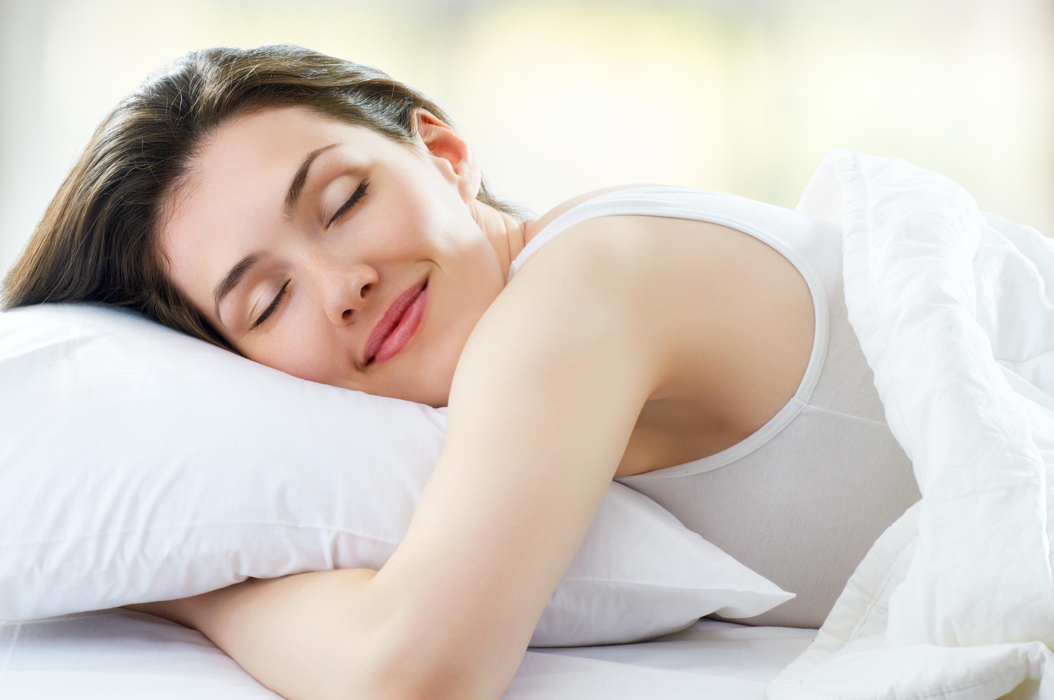 Aj spánok vplýva na zdravie očí. Dodržte tieto pravidlá a vyspíte sa doružova