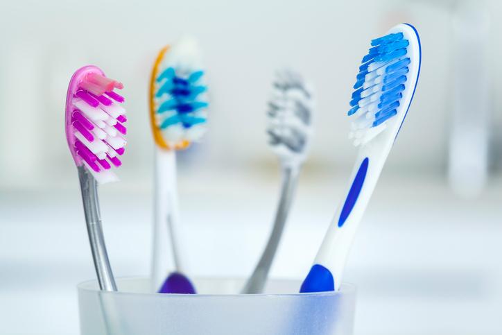 Ako vyberať zubnú kefku