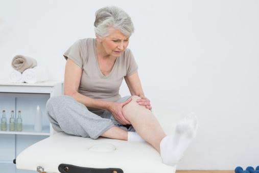 Artróza kolena pomaly, ale isto ničí vaše kolenné kĺby
