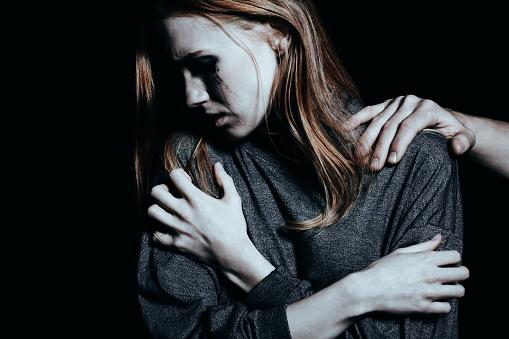 Úzkosť, strach, depresia či iné príznaky. Príčiny vedú až do minulosti.
