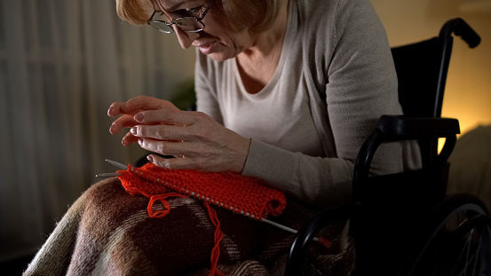 Počet pacientov so sklerózou multiplex v SR je vysoký! Poznajte varovné príznaky