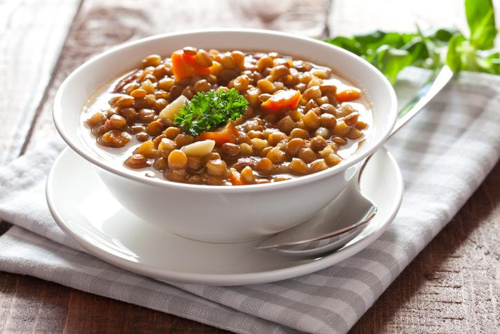 Šošovicová polievka – jednoduchý, no hodnotný a zdravý pokrm