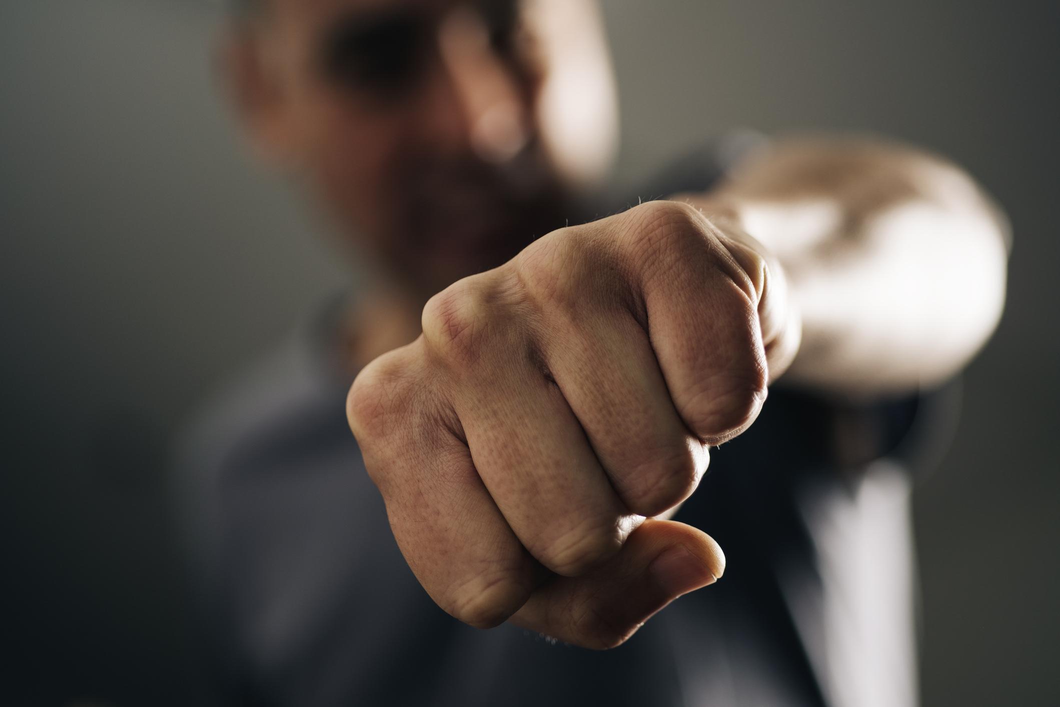 Syndróm nepriateľskej ruky: Mali by sme sa báť?