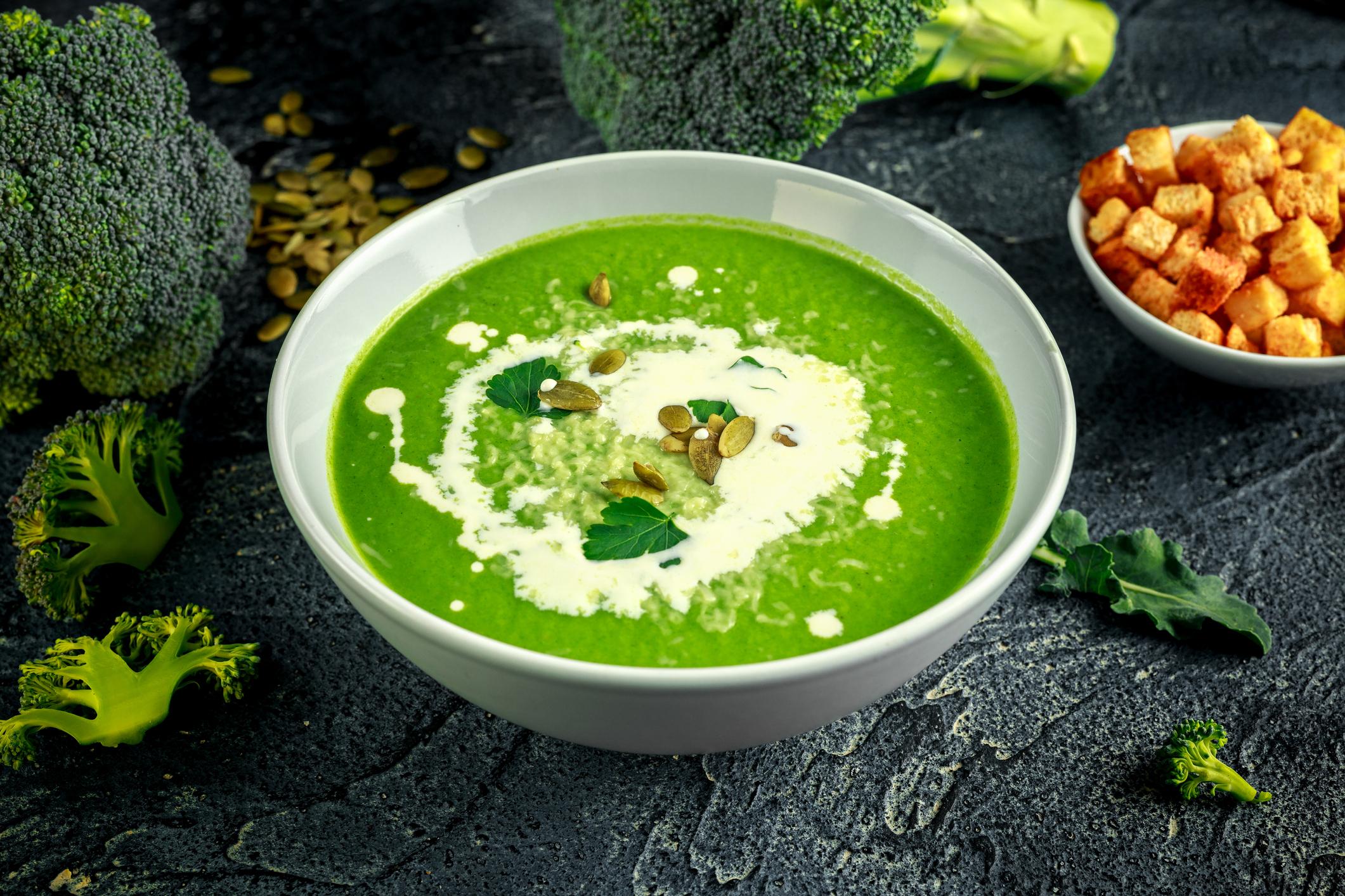 Zdravá brokolicová polievka plná vitamínov? Tento recept si obľúbite