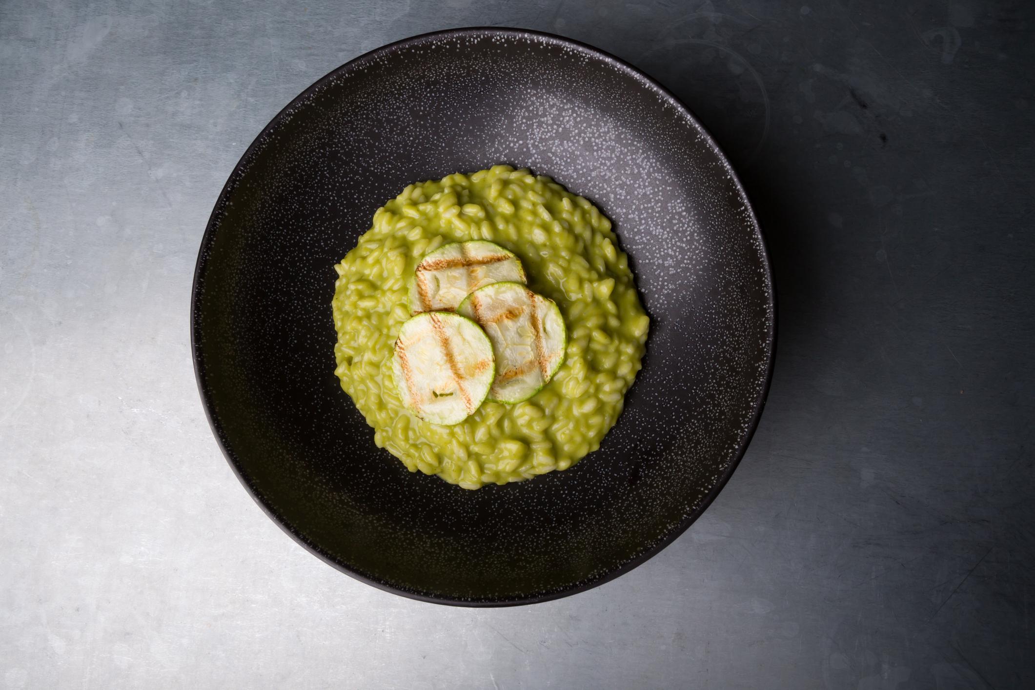 Recept: Zelené fit rizoto s hráškom a brokolicou. Ako na to?