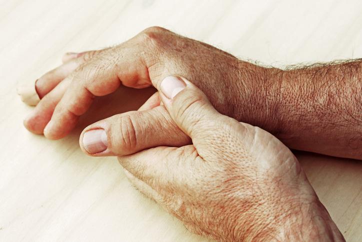6c12ab010 Bolesť prstov rúk, kĺbov po záťaži, úraze či pre ochorenie